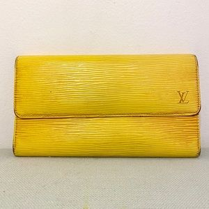 Authentic Louis Vuitton Epi Porte Tresor Wallet